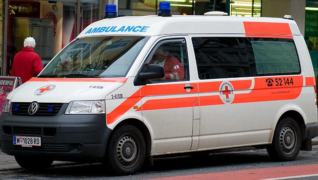 3 Männer bei Messerstecherei teils schwer verletzt (Bild: Andreas Graf (Symbolbild))