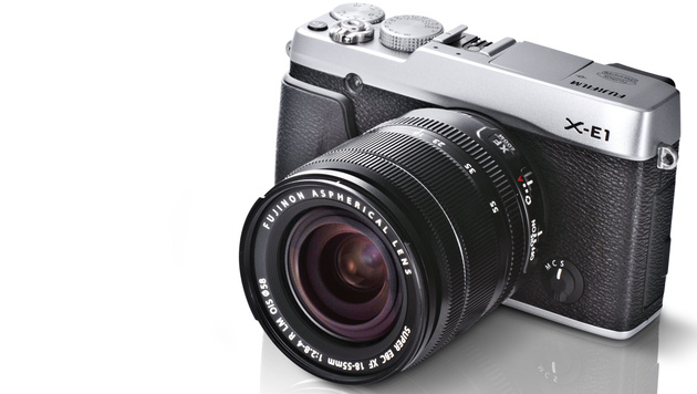 Fujifilm stellt Edel-Systemkamera X-E1 vor (Bild: Fujifilm)