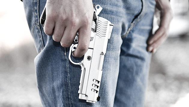 Smartphone-Nutzer bemerkten Todesschützen nicht (Bild: Andreas Graf (Symbolbild))