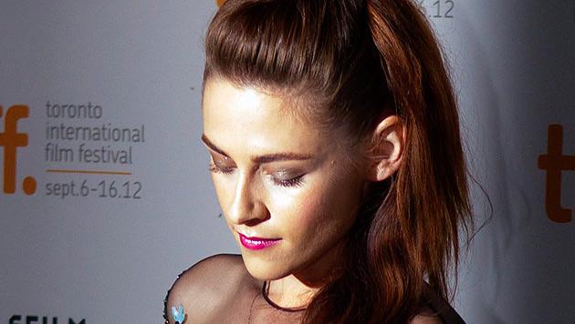 Kristen Stewart: Mager und traurig bei erstem Auftritt (Bild: dapd)