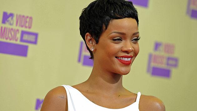 Rihanna mit neuem sexy Pixie bei den MTV VMAs (Bild: dapd)