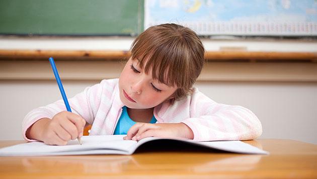 Richtig lernen f�r die erste Schularbeit (Bild: thinkstockphotos.de)