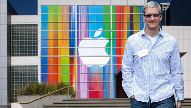 Apple-Chef Tim Cook will Verwaltungsrat verjüngen (Bild: EPA, krone.at-Grafik)