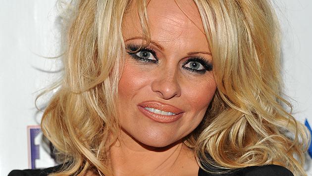 Pamela Anderson: Nacktshooting mit 48 (Bild: AP)