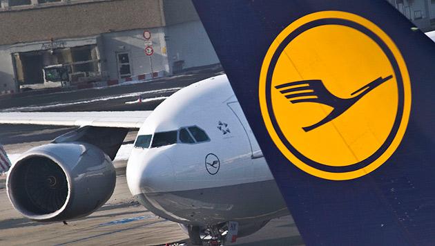 Lufthansa erlaubt Handys bei Start und Landung (Bild: dpa/Frank Rumpenhorst)