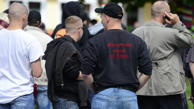 Rechtsextremismus: Über 1.000 Anzeigen im Vorjahr (Bild: dpad/Nigel Treblin)