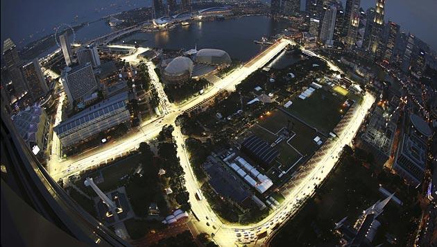 Singapur verlängert Vertrag mit F1-Boss Ecclestone bis 2017 (Bild: dapd)