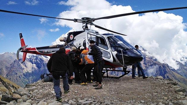 Bergung eines Verletzten des Unglücks im September 2012 (Bild: EPA)