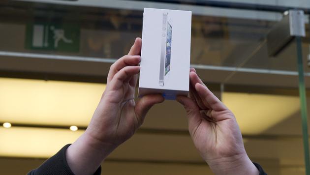 Apple verkaufte am ersten Wochenende 5 Millionen iPhones (Bild: Lukas Barth/dapd)