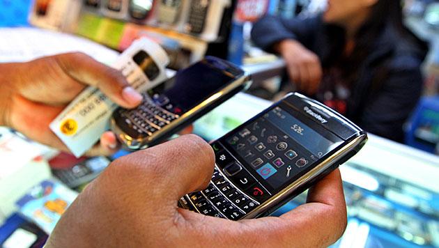 Erneut in mehreren Ländern Probleme mit BlackBerrys (Bild: EPA)