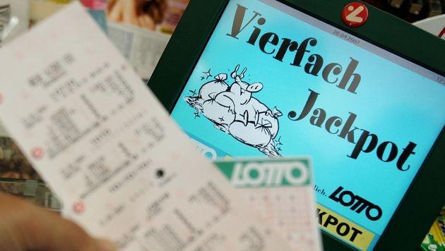 Vierfach-Jackpot im Lotto: 6,2 Mio. € zu gewinnen (Bild: APA/GUENTER R. ARTINGER)