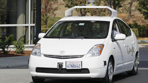 Google spricht mit Autoherstellern über Robo-Autos (Bild: AP)