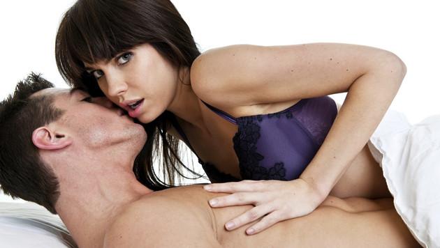 Skandal in den USA: Paare beim Sex von Webcam bespitzelt (Bild: thinkstockphotos.de)