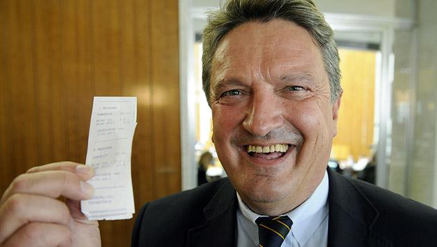Team Stronach: Von Minister-Tochter bis SPÖ-Rohrspatz (Bild: APA/ROLAND SCHLAGER)