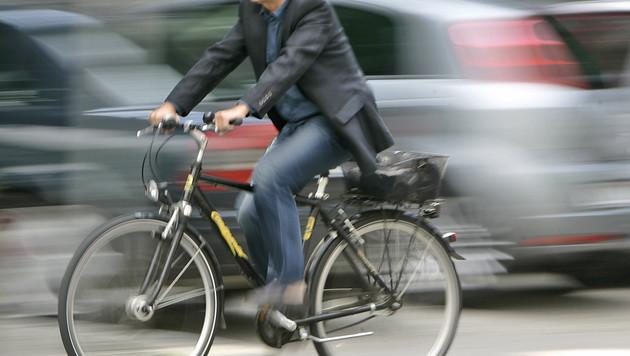 Radler im Schnitt 4 Kilo leichter als Autofahrer (Bild: AP)