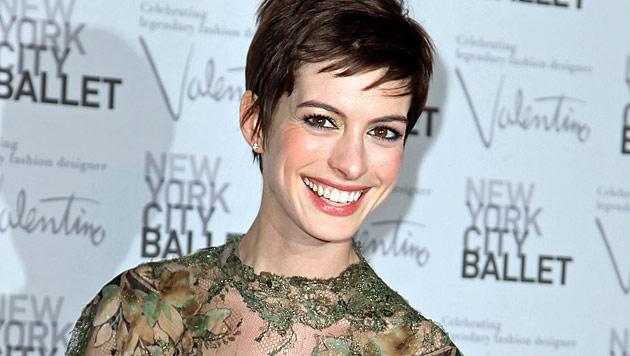Schauspielerin Anne Hathaway ist unter der Haube (Bild: dapd)