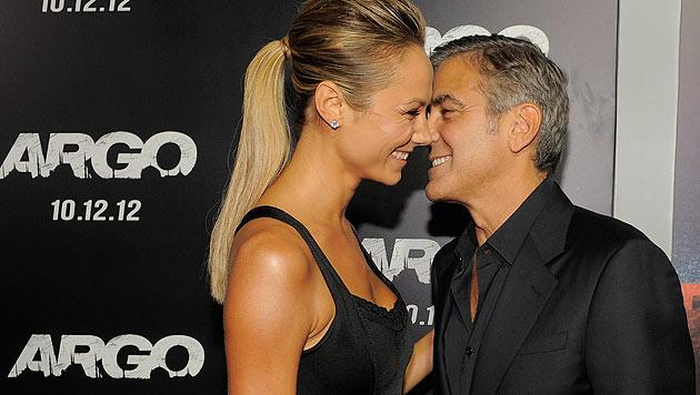 Clooney-Ex Stacy Keibler postet heißes Nacktfoto (Bild: dapd)