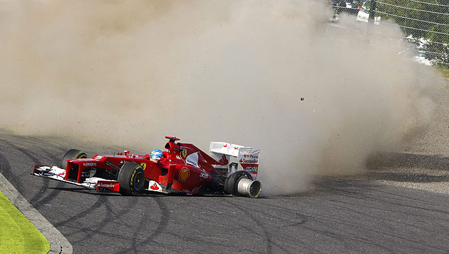 Start-Ziel-Sieg von Vettel, WM-Leader Alonso scheidet aus (Bild: EPA)