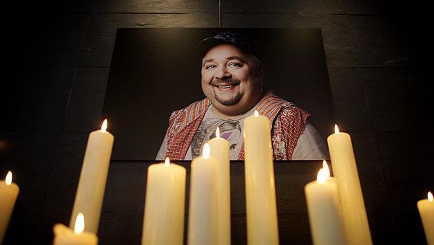 """Bach beigesetzt: Trauerfeier mit """"Heaven Can Wait"""" (Bild: dapd)"""
