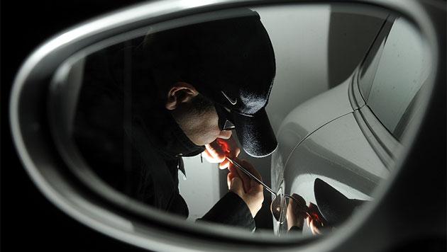 Sechsköpfige Autoknacker-Bande in Graz gefasst (Bild: APA/TECHT/FOHRINGER (Symbolbild))