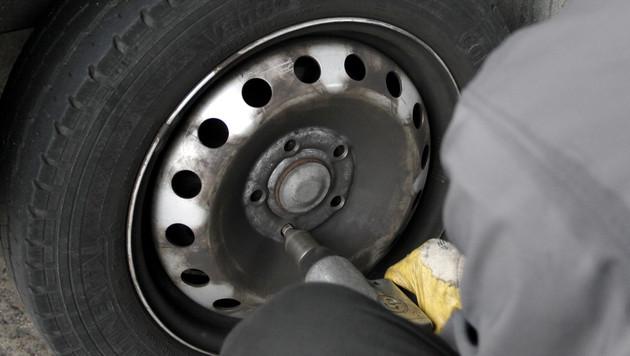 """Mechaniker klagt gegen die """"Fristlose"""" (Bild: dapd/Mike Siepmann (Symbolbild))"""