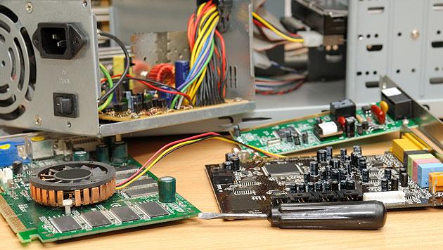16-Jähriger tot: Stromschlag trotz ausgestecktem PC (Bild: thinkstockphotos.de (Symbolbild))