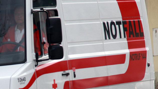 Bub stürzt aus Fenster und fällt vier Meter tief (Bild: Sepp Pail)