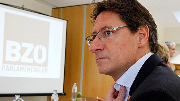 Verdacht auf Bestechung: BZÖ zeigt Stronach an (Bild: APA/Gert Eggenberger)