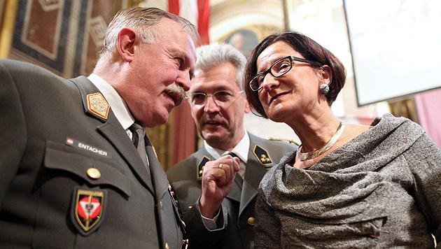 """General Entacher pfeift auf Pension: """"Bleibe auf Brücke"""" (Bild: APA/Georg Hochmuth)"""