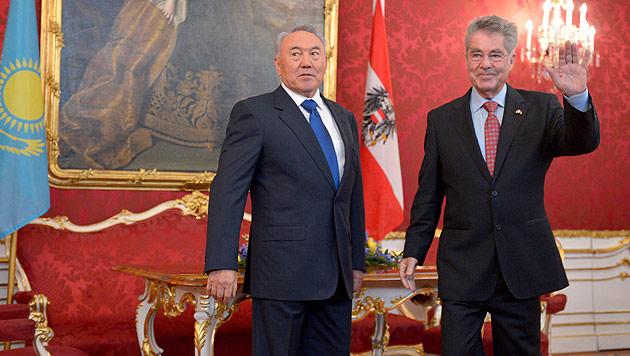 """Österreichs größter Öllieferant lobt sein """"freies"""" Kasachstan (Bild: APA/ROLAND SCHLAGER)"""
