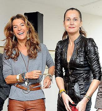 """Fiona und Maggie """"im Ballkleid gegen Tierleid"""" (Bild: APA/HERBERT PFARRHOFER)"""
