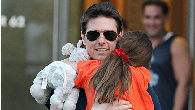 Foto von weinender Suri bringt Tom Cruise in Rage (Bild: dapd)