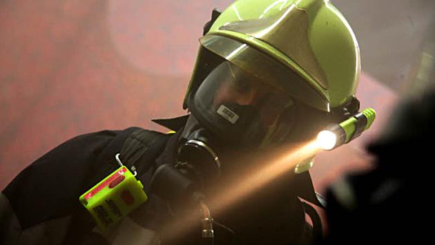 Mann stirbt bei Brand, Frau von Nachbarn gerettet (Bild: Sepp Pail (Symbolbild))