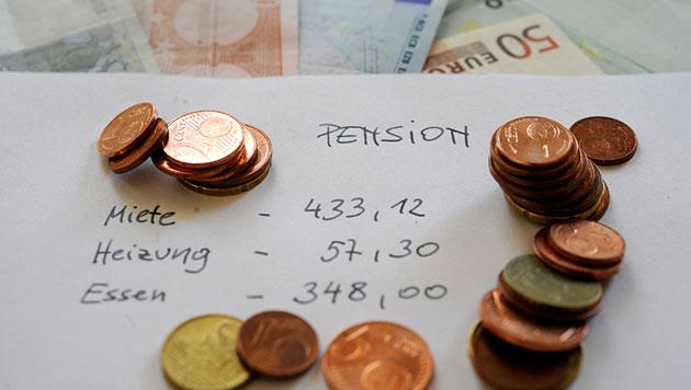 Pensionen sollen 2013 um lediglich 1,8% steigen (Bild: APA/ROLAND SCHLAGER)