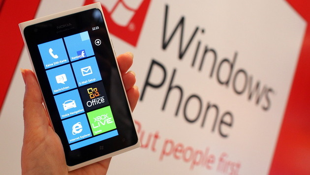 Smartphone-Markt: Windows Phone hat BlackBerry überholt (Bild: Ronny Hartmann/dapd)