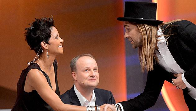 Cindy aus Marzahn bleibt Assistentin von Markus Lanz (Bild: Sascha Baumann/ZDF/dpa)