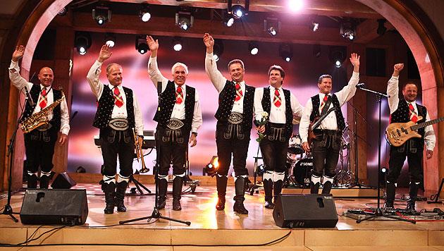 """""""Spatzen"""" pfiffen mit perfektem Auftritt zurück (Bild: ORF/MILENKO BADZIC)"""