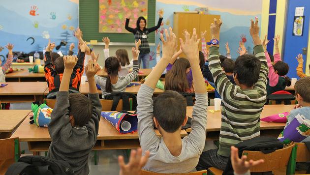 Erster Schultag für Flüchtlingskinder in Traiskirchen (Bild: Gerhard Bartel)