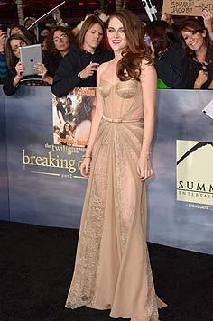 Kess: Kristen Stewart zeigt uns ihr H�schen... (Bild: AFP)