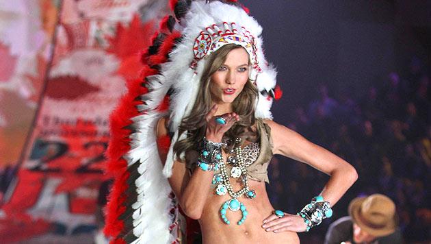 'Victoria's Secret'-Engel entschuldigt sich bei Indianern (Bild: AP)