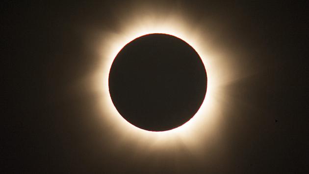 Sonnenfinsternis verdunkelte den Norden Australiens (Bild: EPA)