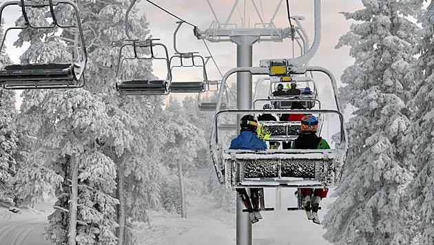 Skifahren wird zum Luxus: Liftkarten um 3,9% teurer (Bild: Thinkstockphotos.de)
