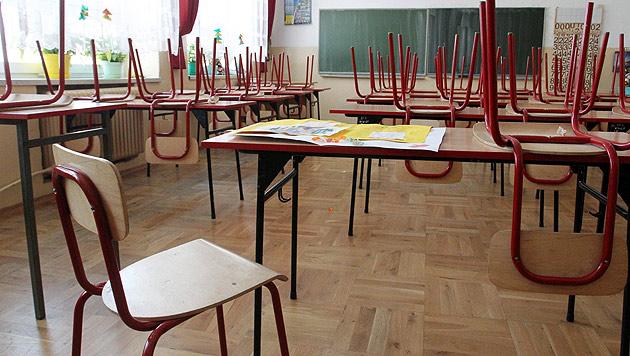 """Direktorin: """"Kopftuchverbot auch in den Schulen"""" (Bild: EPA (Symbolbild))"""