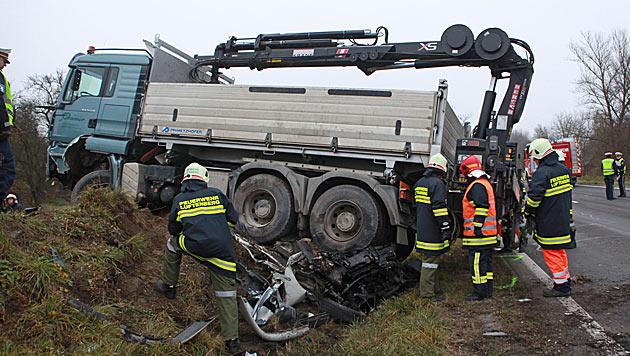 Zwei Tote bei zwei Unfällen mit Lkws in OÖ und NÖ (Bild: Hermann Kollinger)