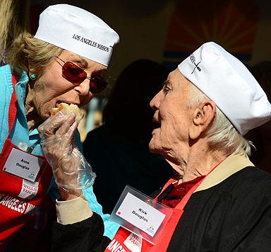 Diese Stars tun zum Thanksgiving-Fest Gutes (Bild: AFP)