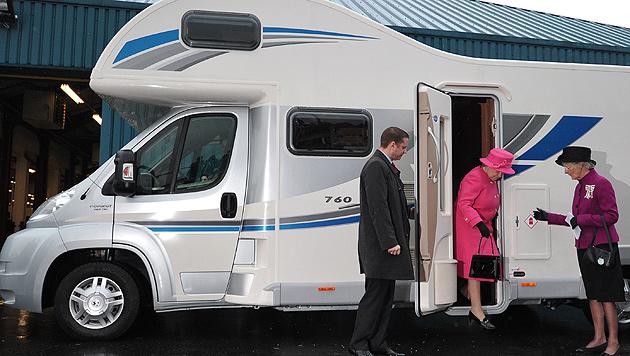 Queen Elizabeth II. tauschte Kutsche gegen Wohnmobil (Bild: AFP)