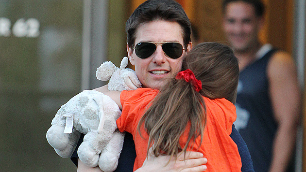 Tom Cruise feierte Thanksgiving mit Suri in London (Bild: AP)
