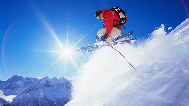 So kommst du am günstigsten zu deinem Skiurlaub (Bild: thinkstockphotos.de (Symbolbild))