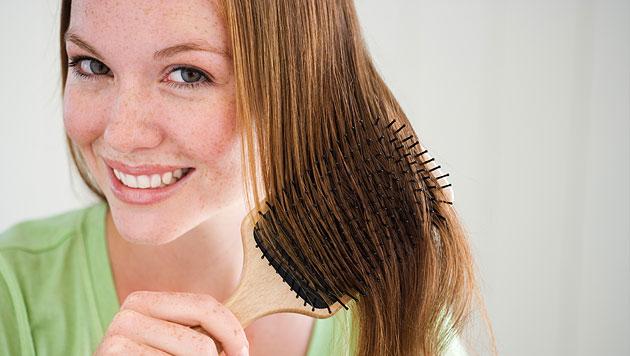 Ein haariges Problem: Frauen und Haarausfall (Bild: thinkstockphotos.de (Symbolbild))