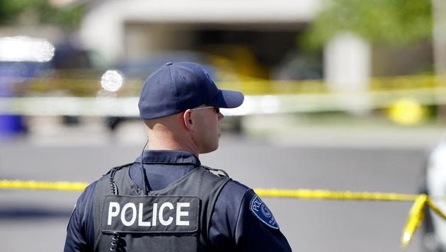 Fünf Menschen auf Grillparty erschossen (Bild: AP (Symbolbild))